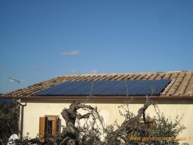 Impianto fotovoltaico su falda a coppi