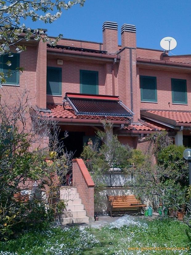 Solare termico con copertura per surriscaldamento
